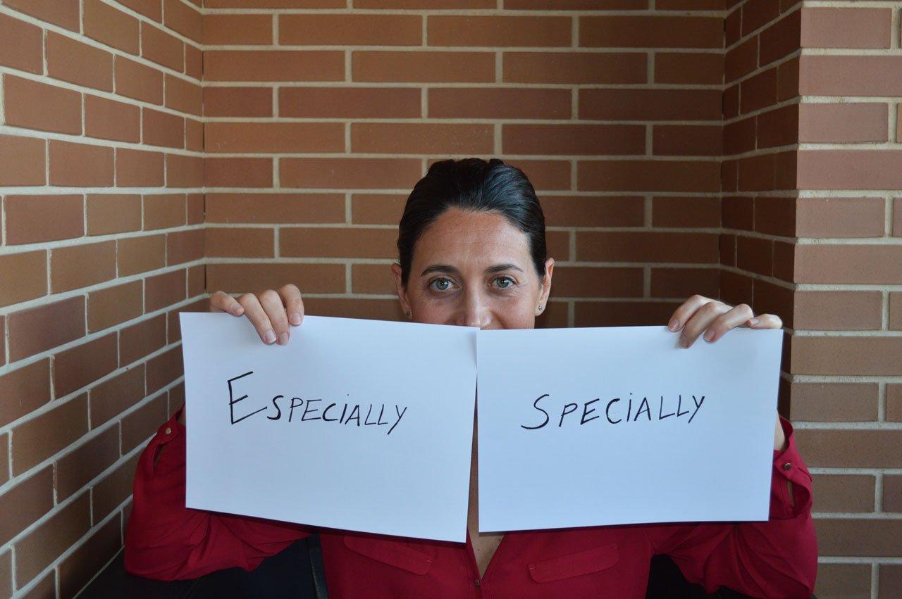Especially or specially? Te explico la diferencia y su uso en inglés